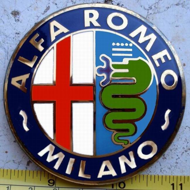Alfa Romeo badge Wallpaper
