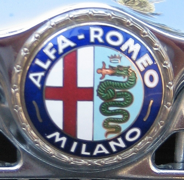 Alfa Romeo emblem Wallpaper
