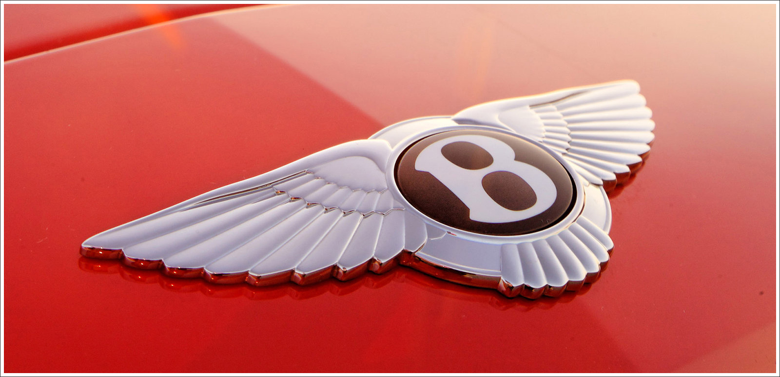 Bentley Symbol Wallpaper
