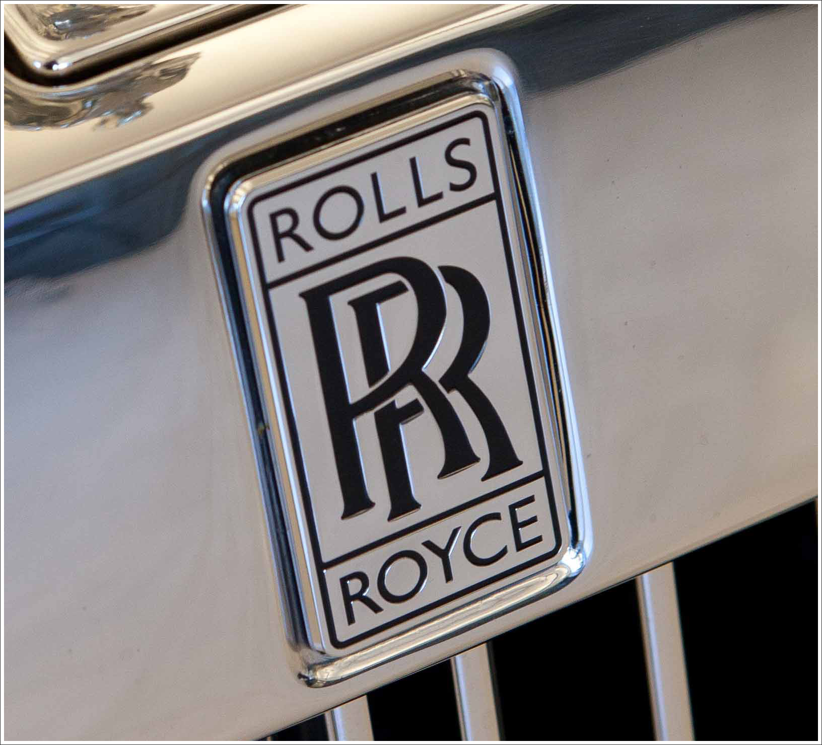 Rolls-Royce Emblem Wallpaper