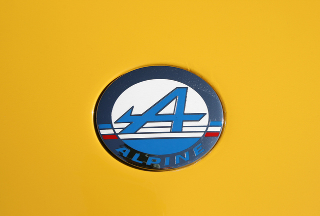 Alpine badge Wallpaper