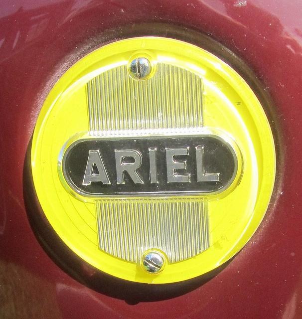 Ariel graphic design Wallpaper