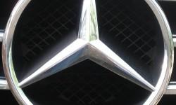 Mercedes symbol