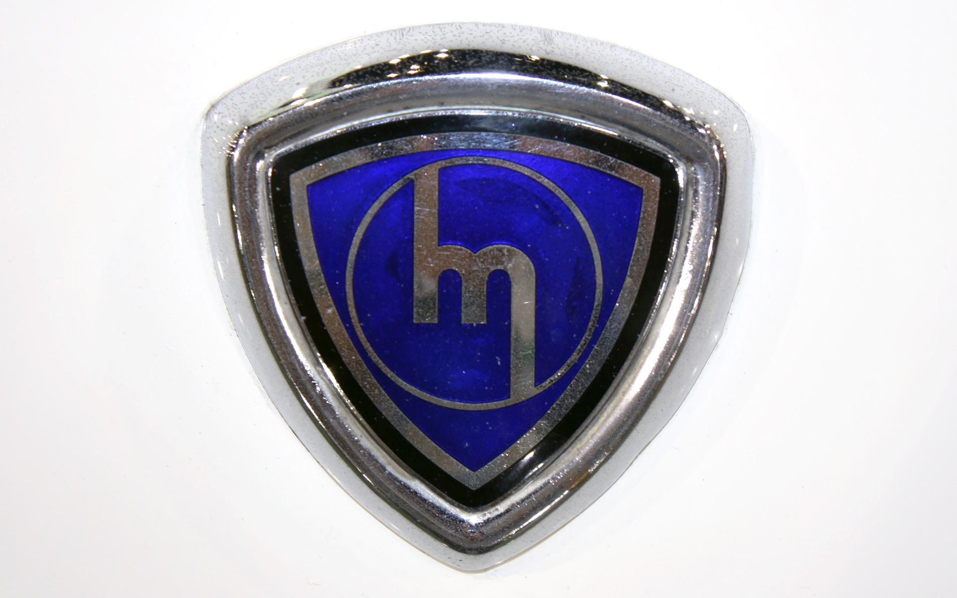 Old Mazda Logo Sign Wallpaper